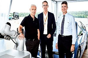 Kuka и VW разширяват сътрудничеството си