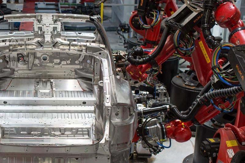 Tesla придобива компания за оборудване за автоматизация
