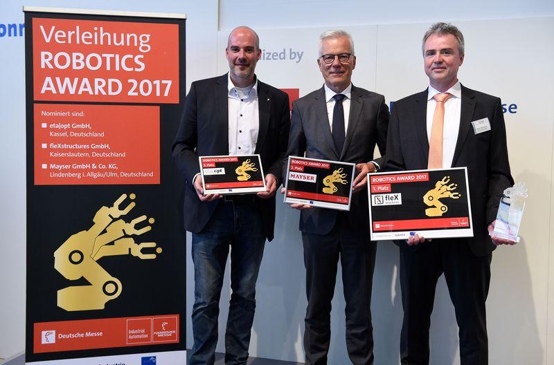 Трима участници в последния кръг на наградите за роботика на Hannover Messe