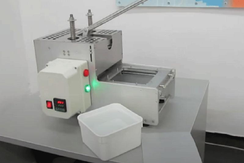 Ръчен стенд за запечатване на <strong>пл</strong>астмасови кутии