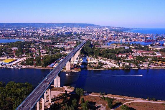 Община Варна откри търг за изграждане на оптична свързаност и Data VPN